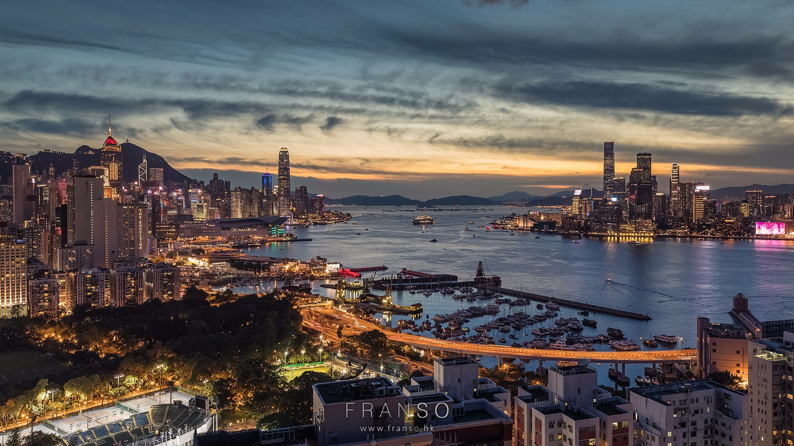 Cityscape | Hong Kong | Sunset of Victoria Harbour  |