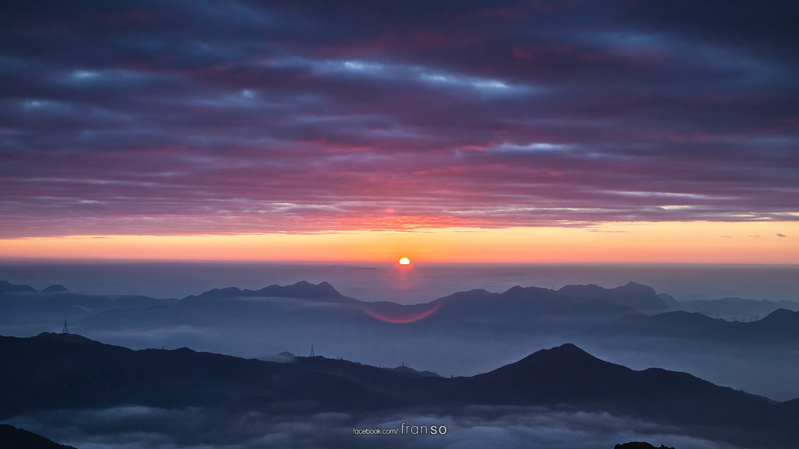 Landscape | Hong Kong | Sunrise  | The first sunrise featuring the cloud of sea and burning cloud at 2015